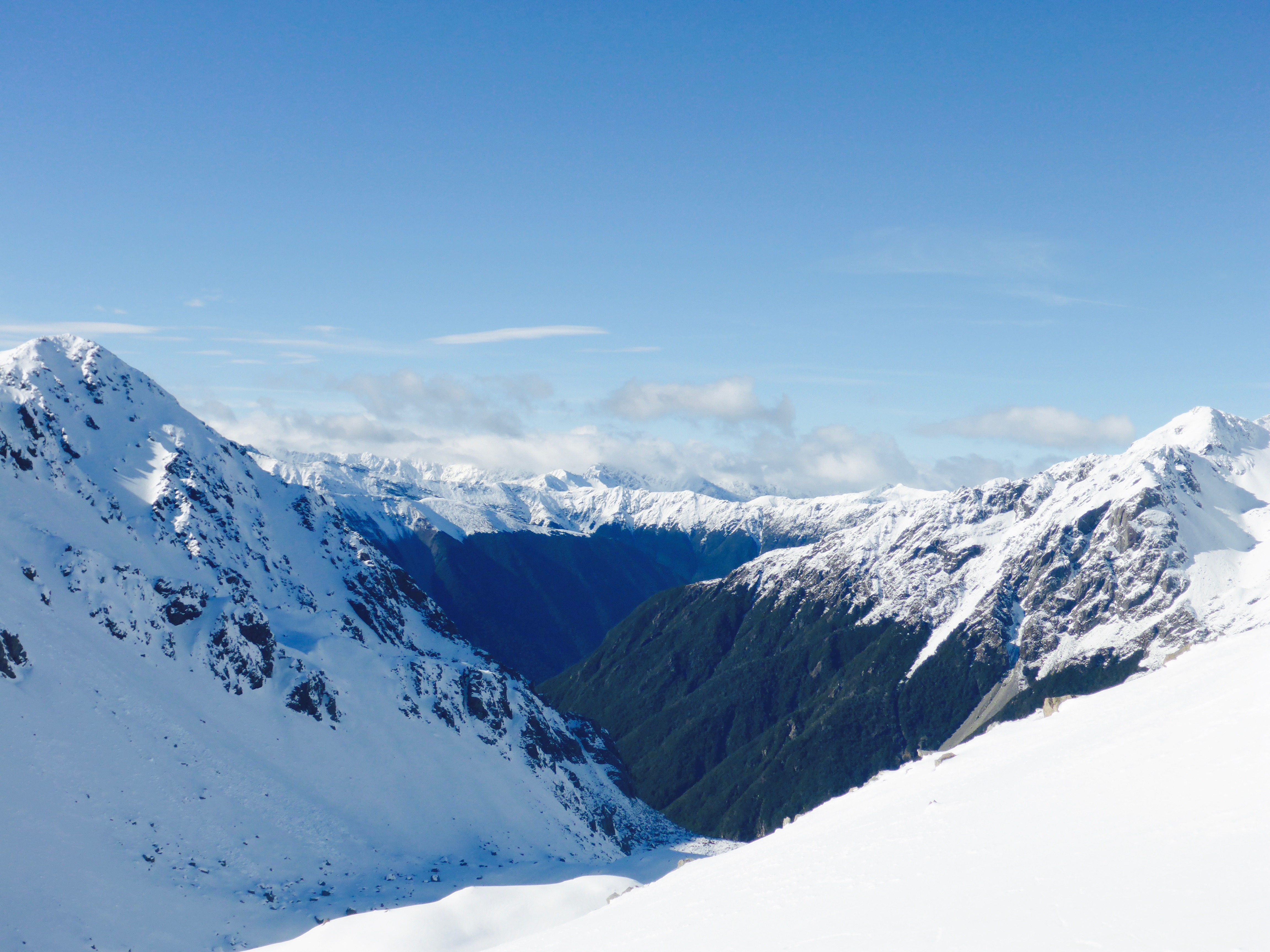 snowy mountains in new zealand